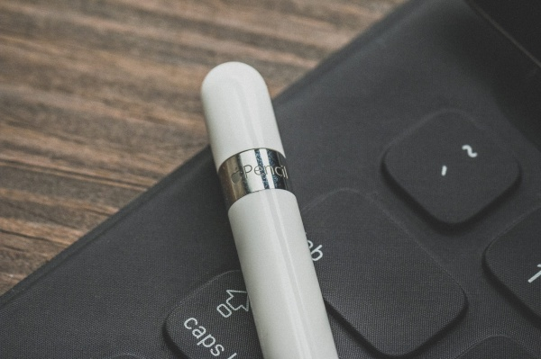 レタッチペン