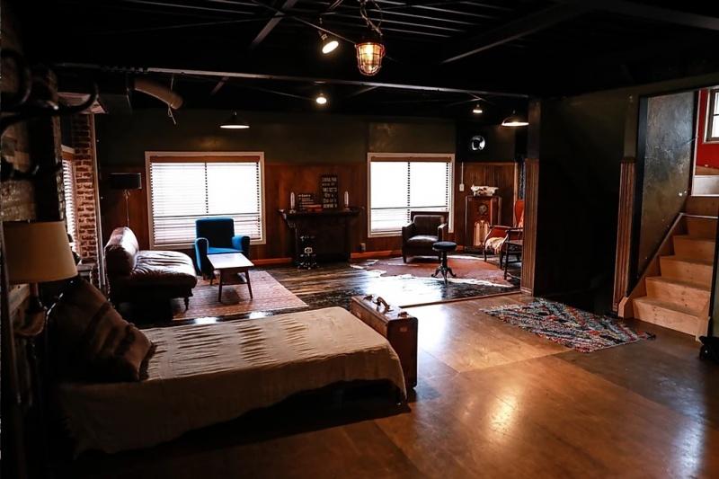 Studio COU6H(スタジオコフ)2階
